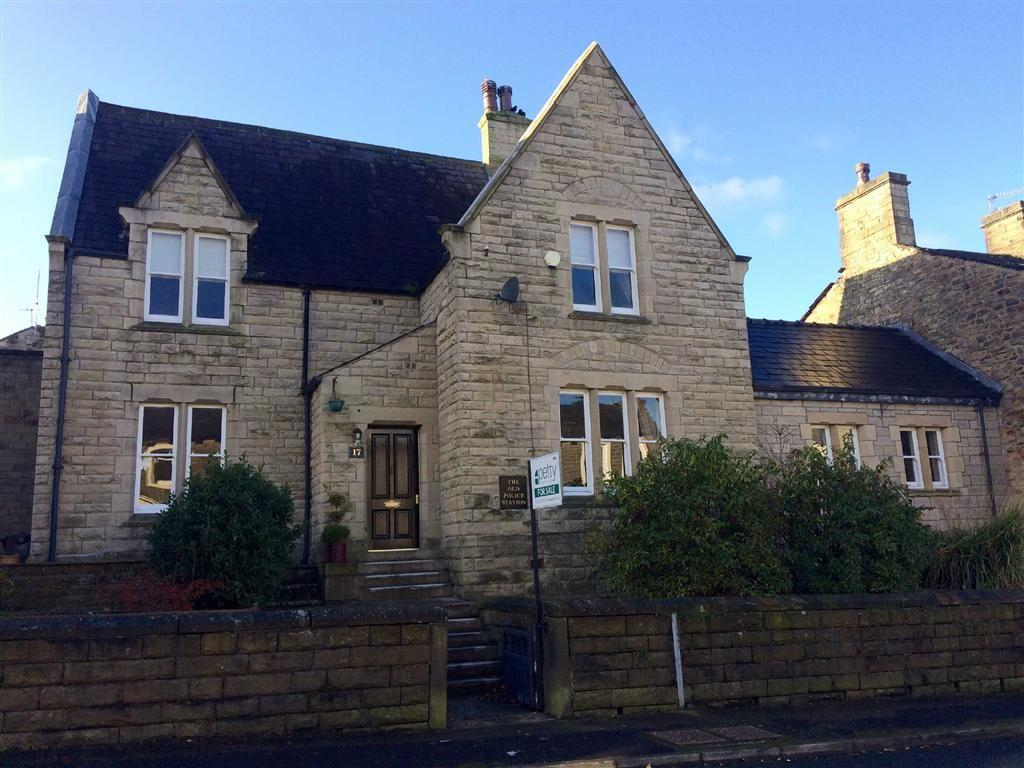 3 Bedrooms Semi Detached House for sale in Manchester Road, Barnoldswick, Lancashire