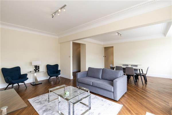 3 Bedrooms Flat for rent in PORTLAND PLACE, MARYLEBONE, W1