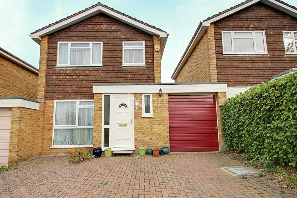 3 Bedrooms Semi Detached House for sale in Poplar Drive, Banstead, SM7