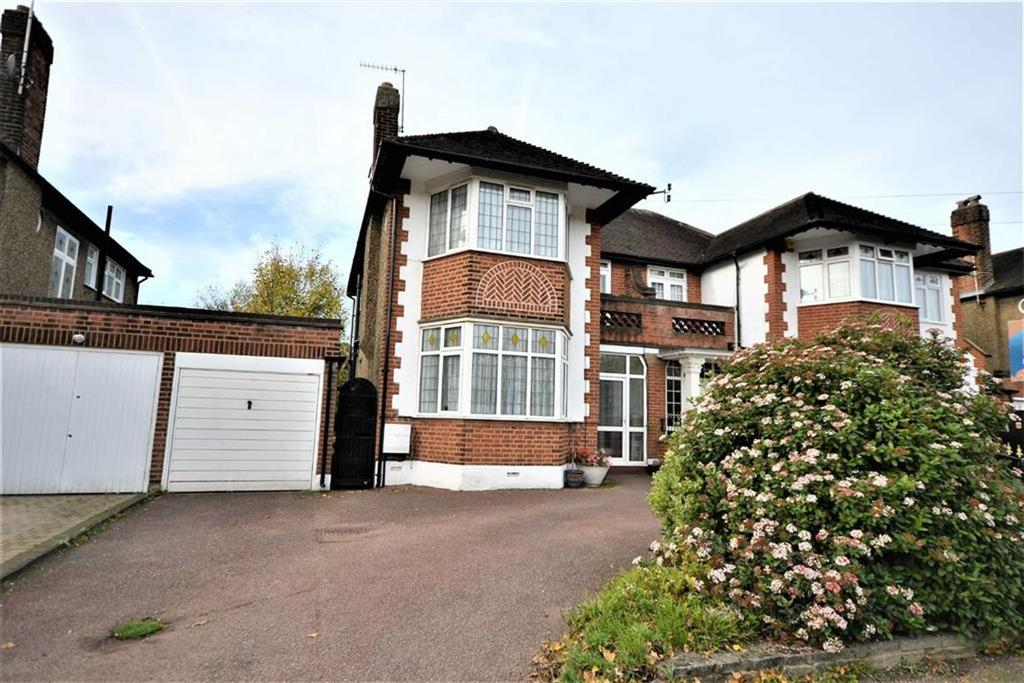 4 Bedrooms House for sale in Kent Drive, Cockfosters, Hertfordshire