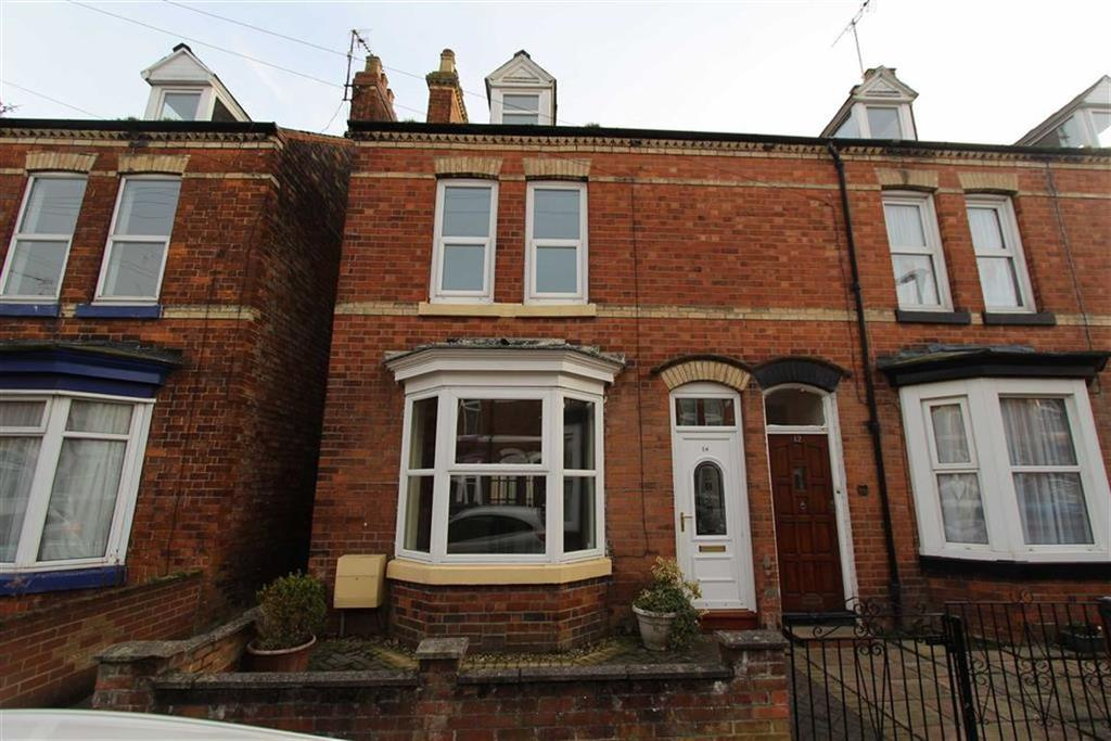 3 Bedrooms Terraced House for sale in Oxford Street, Bridlington, East Yorkshire, YO16