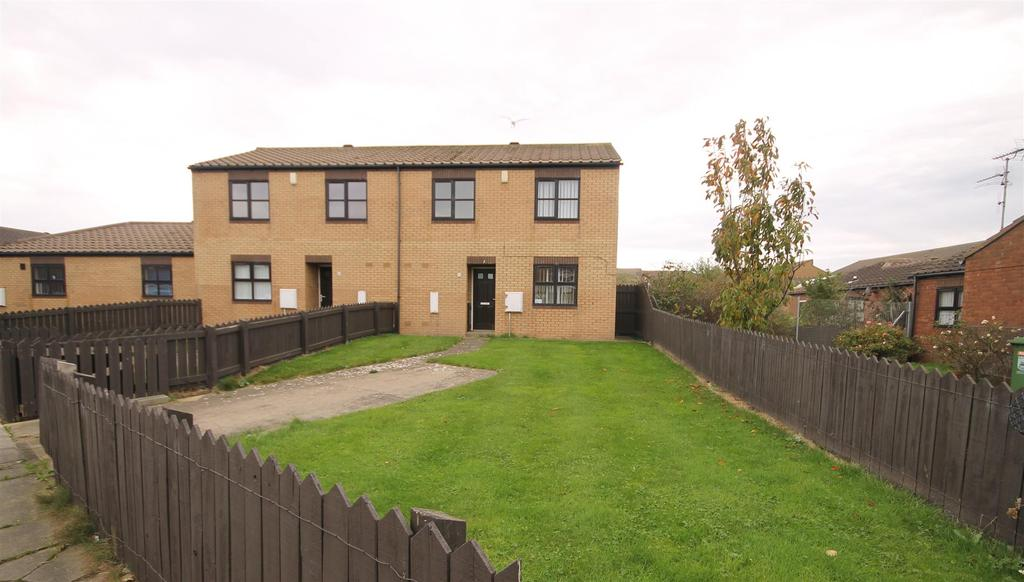 3 Bedrooms End Of Terrace House for sale in Millpool Close, Hartlepool