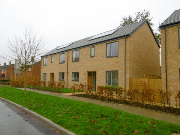 3 Bedrooms House for sale in Dabbs Hill Lane, Northolt