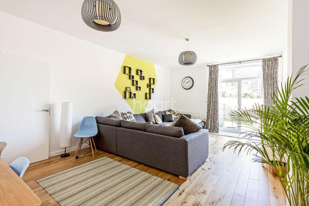 3 Bedrooms Flat for sale in Meopham Road, Mitcham, CR4