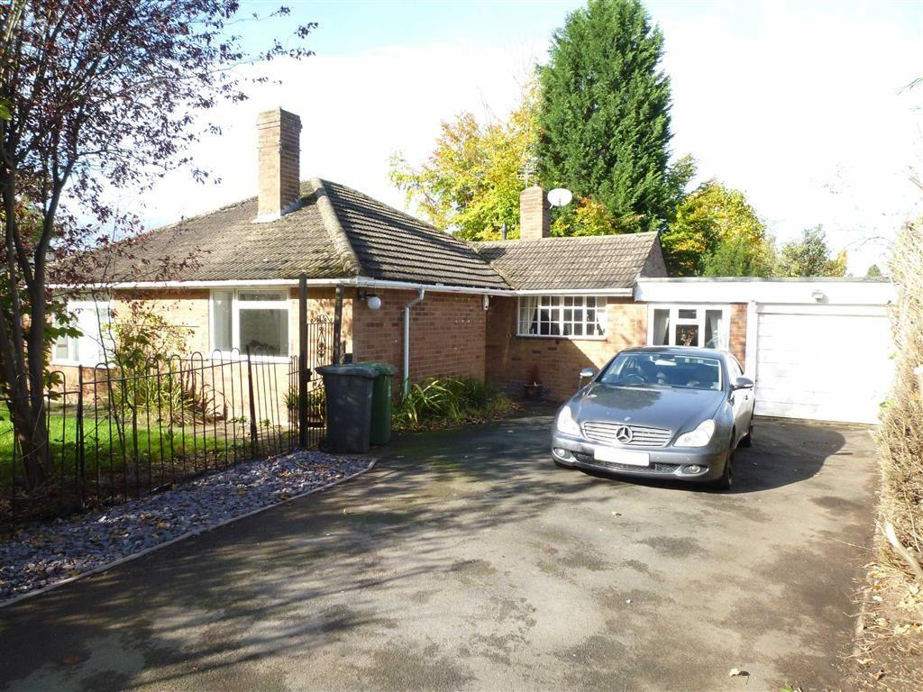 3 Bedrooms Detached Bungalow for sale in Whitehill Road, Kidderminster, Worcestershire