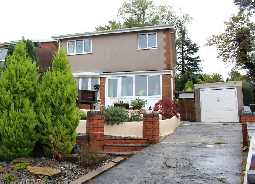 3 Bedrooms Detached House for sale in Fairoak, Ammanford