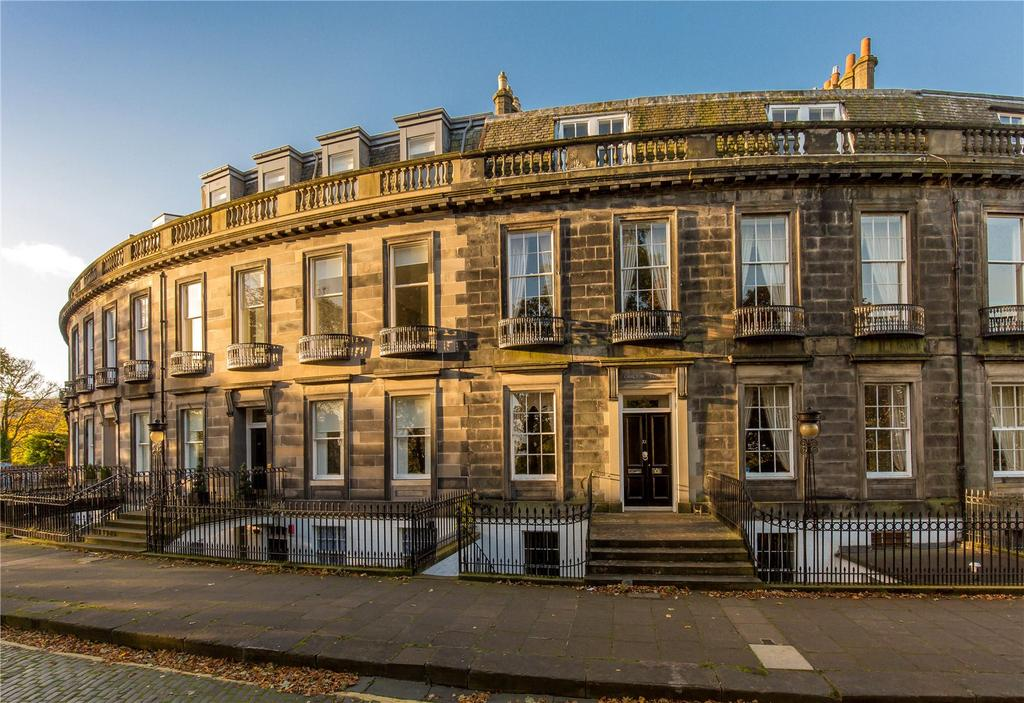 3 Bedrooms Flat for sale in 11A Carlton Terrace, Edinburgh, EH7