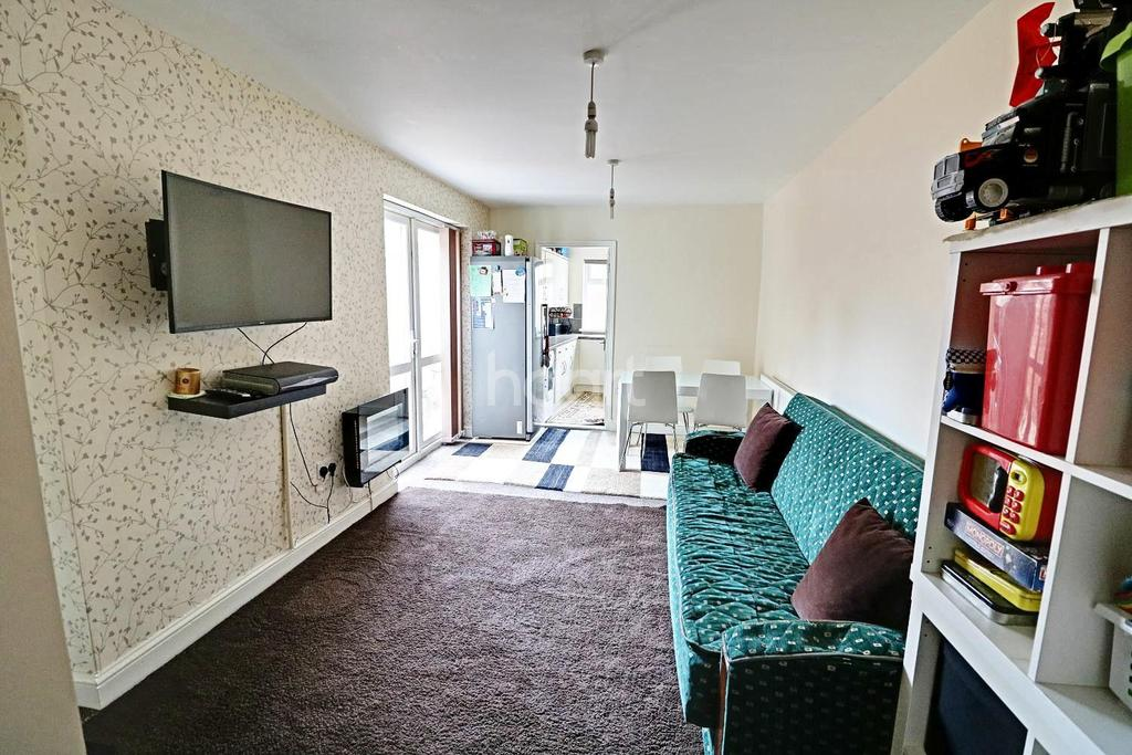 3 Bedrooms End Of Terrace House for sale in Eighth Avenue, Manor Park