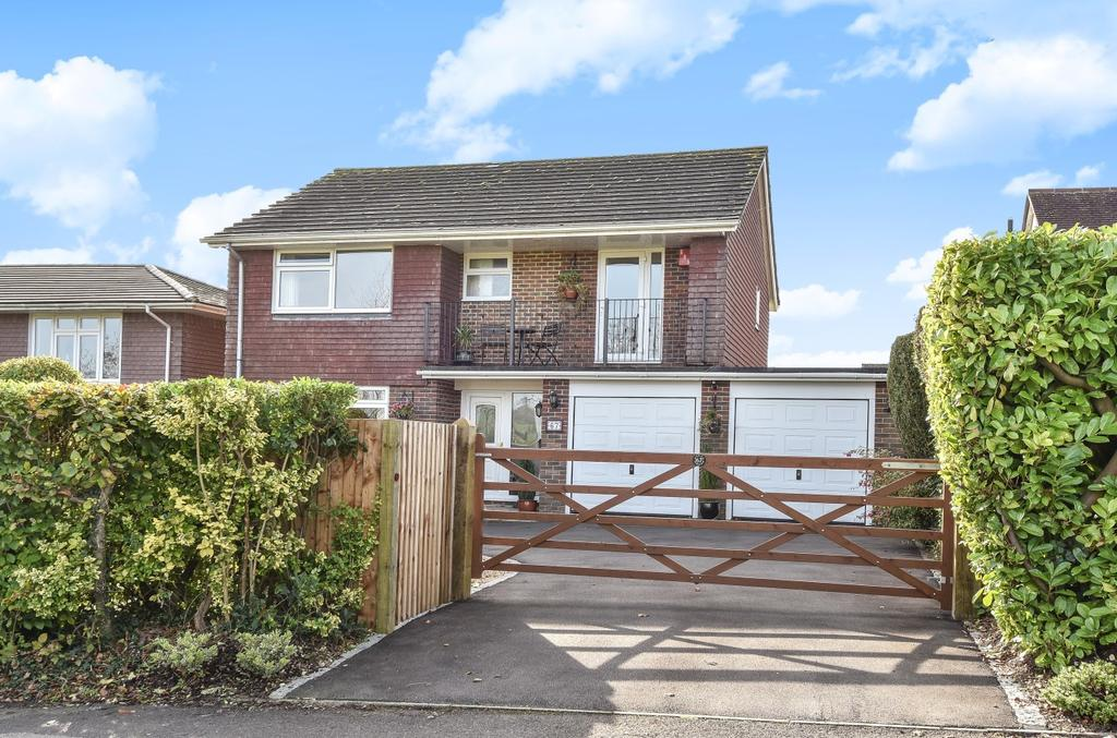 4 Bedrooms Detached House for sale in Chalton Lane, Clanfield, PO8