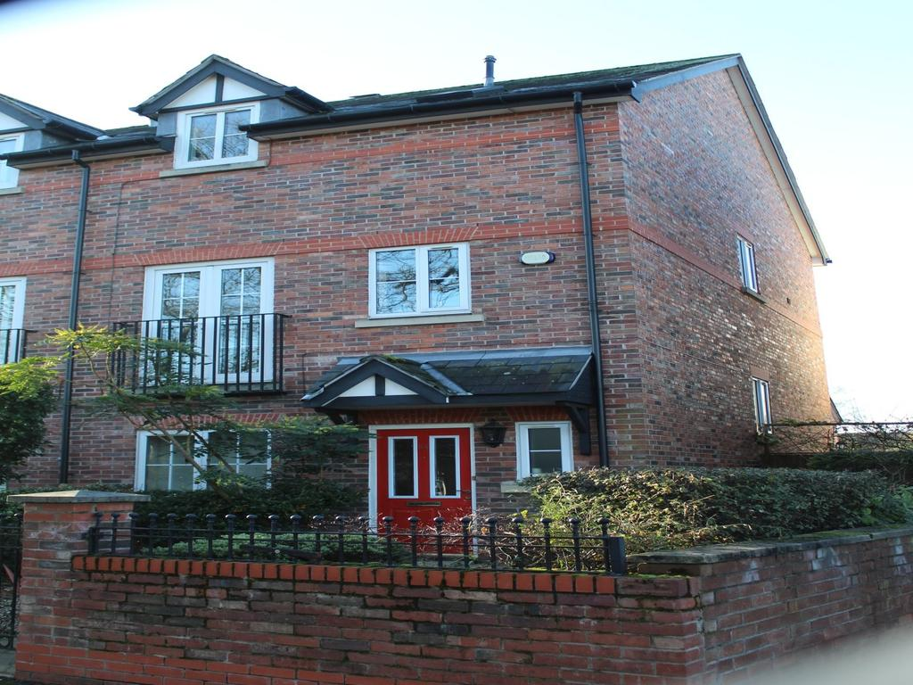 3 Bedrooms Semi Detached House for rent in Chorlton Green, Manchester