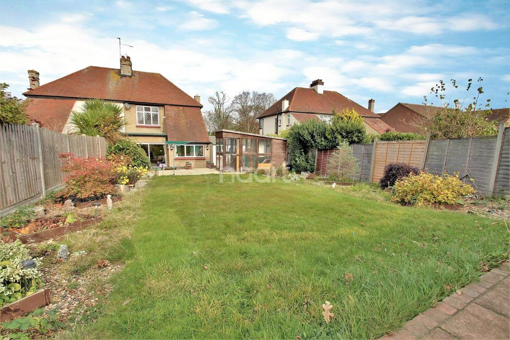 3 Bedrooms Semi Detached House for sale in East Clacton