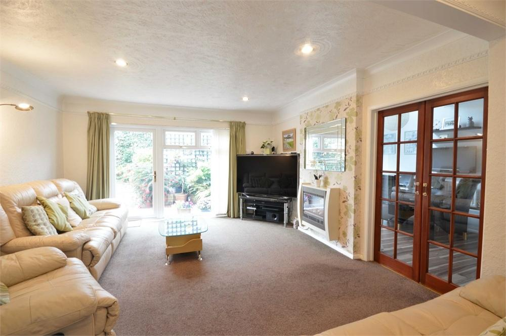 4 Bedrooms Detached House for sale in Squires Way, Dartford