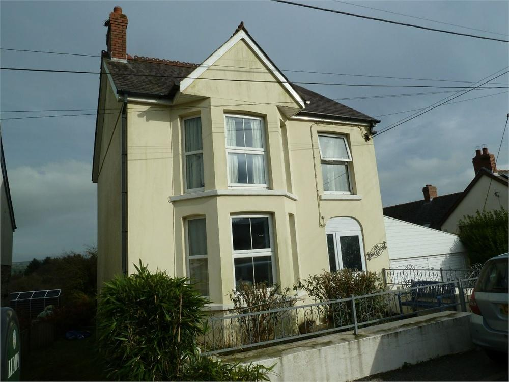 3 Bedrooms Detached House for sale in Pantycelyn, Hermon, Glogue, Pembrokeshire