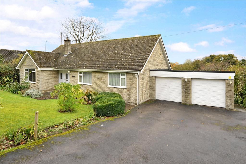 3 Bedrooms Detached Bungalow for sale in Badbury, Wiltshire