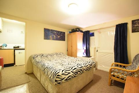 1 bedroom apartment to rent - De Beauvior Road, Reading, RG1