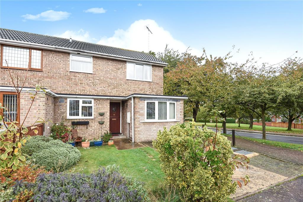 3 Bedrooms Semi Detached House for sale in Gedge Close, Bury St Edmunds, Suffolk, IP33