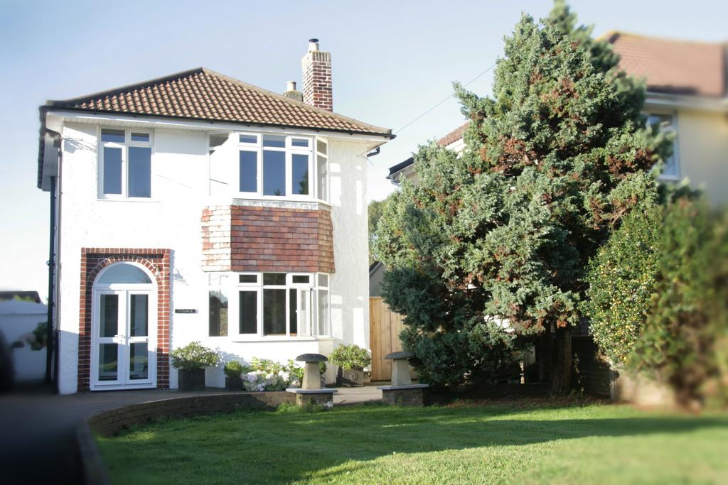 3 Bedrooms Detached House for sale in Stylish detached home in Langford