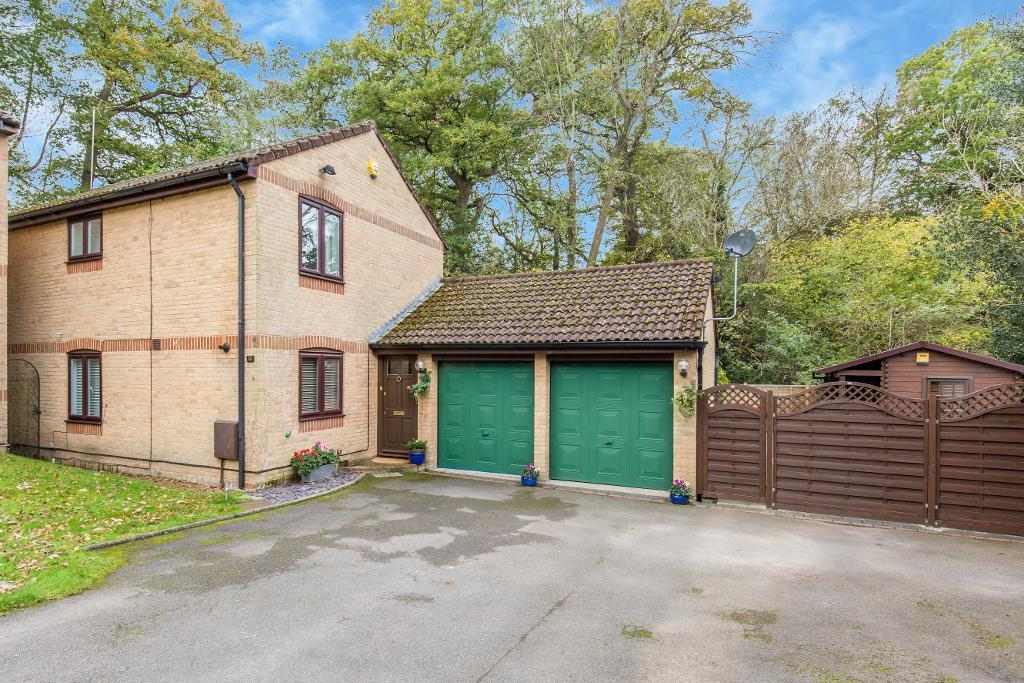 4 Bedrooms Detached House for sale in Wildwood Court, Hawkhirst Road, Kenley, CR8 5DL