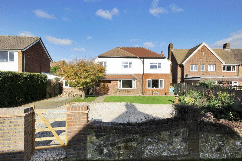 4 Bedrooms Detached House for sale in Poundfield Road, Crowborough, East Sussex