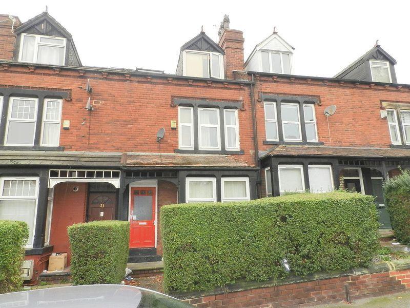 8 Bedrooms Terraced House for sale in Headingley Mount, Leeds