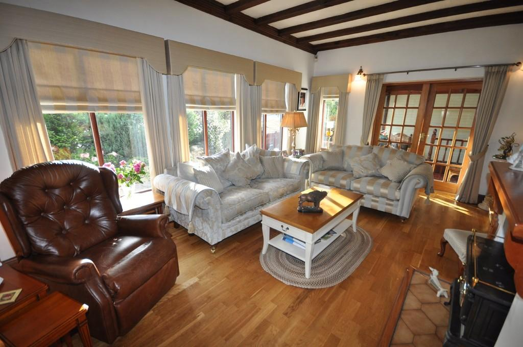 3 Bedrooms Chalet House for sale in Southgate, Pontefract