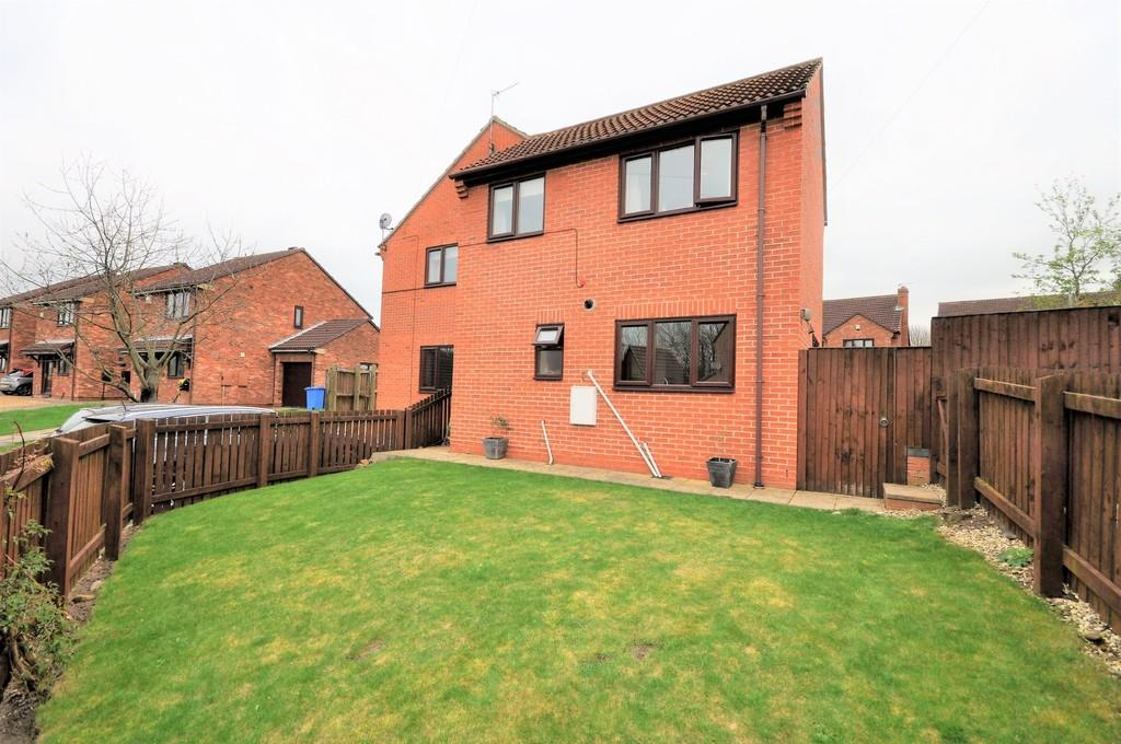3 Bedrooms Semi Detached House for sale in George Street, Snaith