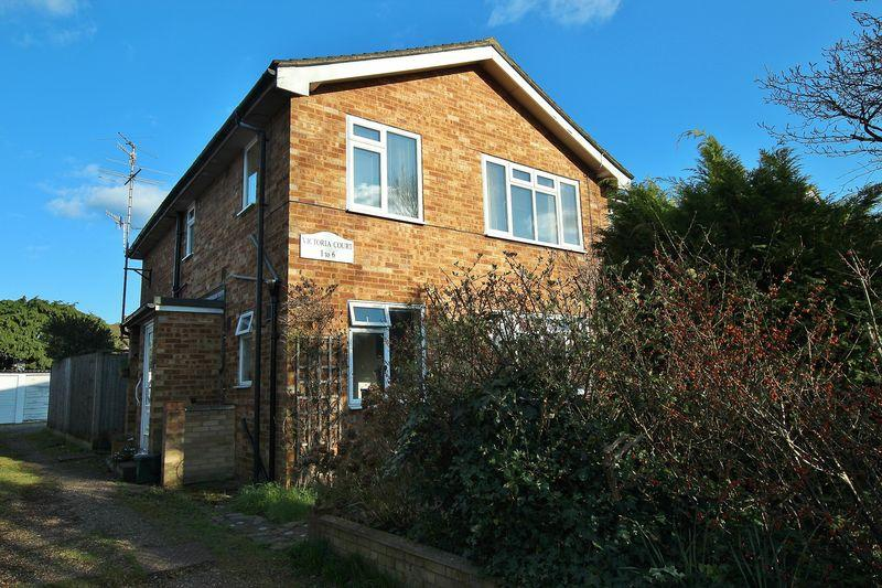 2 Bedrooms Apartment Flat for sale in Shalford