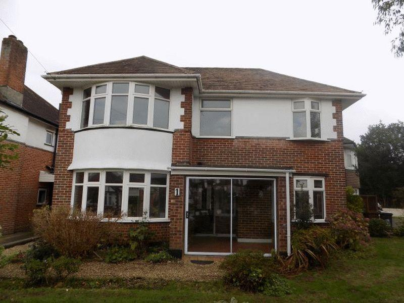 3 Bedrooms Detached House for rent in Merrivale Avenue, Bournemouth