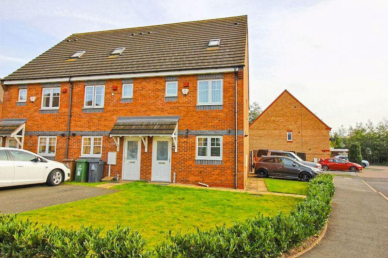 3 Bedrooms Town House for sale in Oberon Grove, Wednesbury