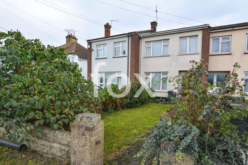 3 Bedrooms Terraced House for sale in Sutton Road, Rochford