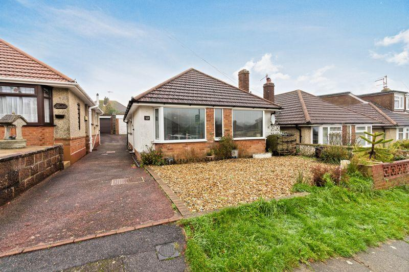 3 Bedrooms Bungalow for sale in Oakdene Avenue, Portslade
