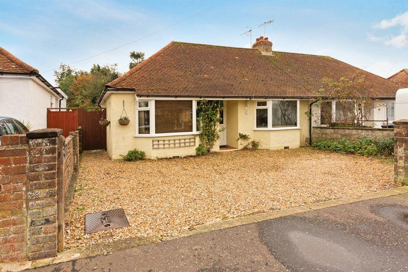 3 Bedrooms Bungalow for sale in Berriedale Drive, Lancing