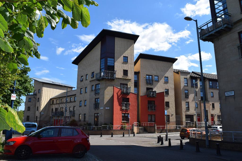 2 Bedrooms Flat for sale in Handel Place, Flat 1/1, New Gorbals, Glasgow, G5 0TT