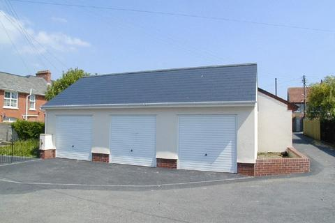 Property to rent - Corporation Street, Newport, Barnstaple