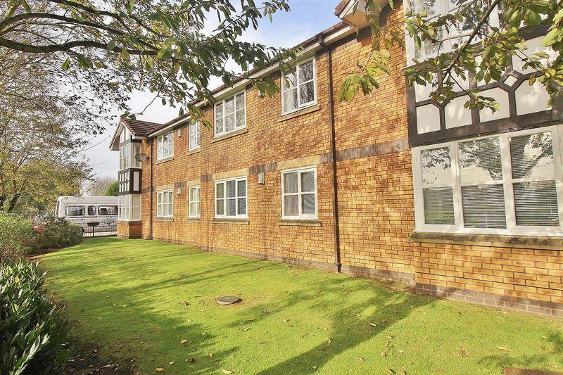 2 Bedrooms Apartment Flat for sale in Kings Meadow, Ainsdale