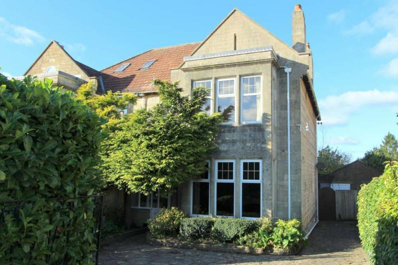 4 Bedrooms Semi Detached House for sale in Bradford Road, Combe Down