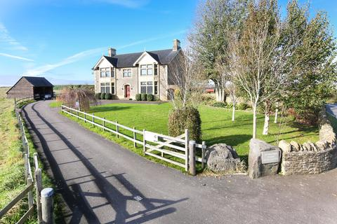 5 bedroom detached house for sale - Vallis Road, Frome