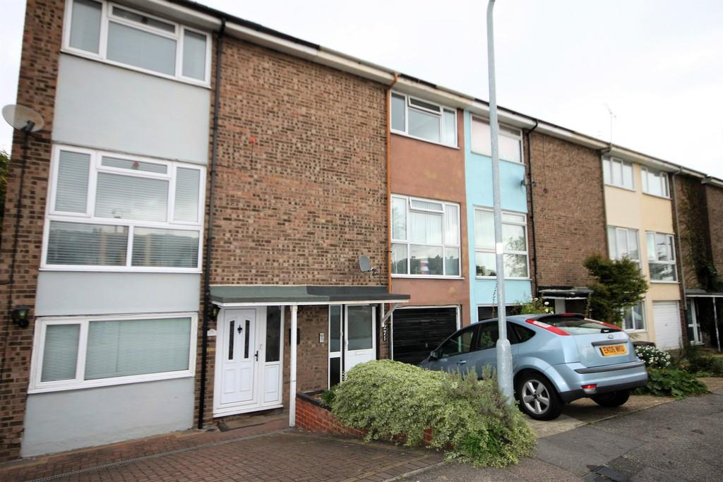 4 Bedrooms Town House for sale in Prince Avenue, Westcliff-on-Sea