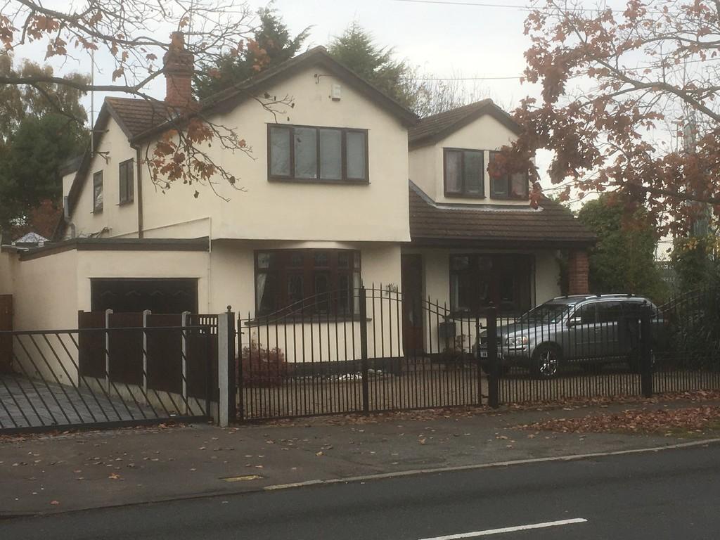 4 Bedrooms Detached House for sale in Benfleet Road, Benfleet
