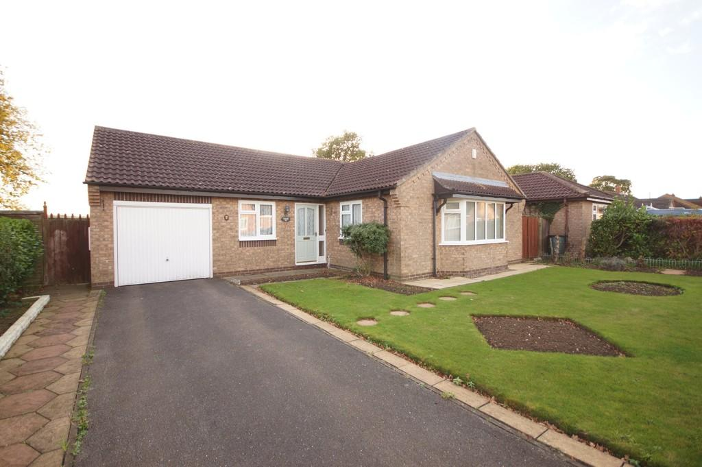 3 Bedrooms Detached Bungalow for sale in Routland Close, Wragby