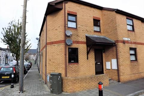 2 bedroom ground floor flat to rent - ADAMSDOWN - Refurbished Ground Floor flat convenient for the City Centre