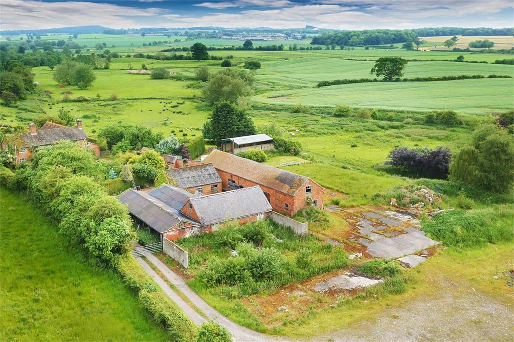 4 Bedrooms Barn Conversion Character Property for sale in Euxley Farm Barns, Outwoods, Newport, Staffordshire, TF10