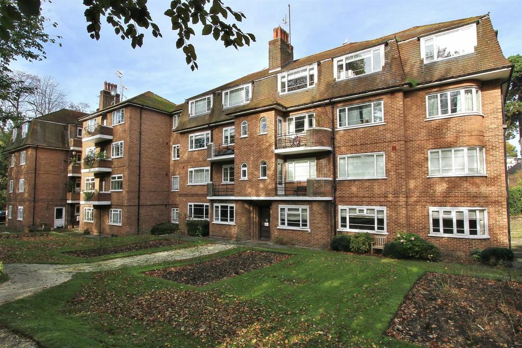 3 Bedrooms Flat for sale in Withdean Court