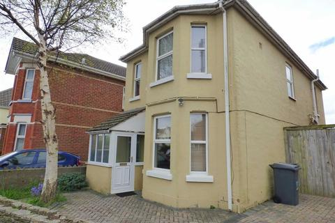 3 bedroom detached house to rent - Limited Road, Moordown, Bournemouth, Dorset