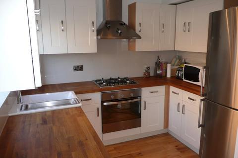 3 bedroom terraced house to rent - Plas Taliesin, Penarth Marina