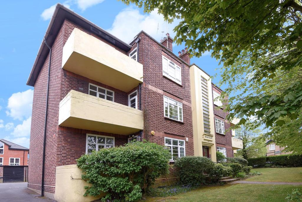 2 Bedrooms Flat for sale in Wetherill Road, Muswell Hill