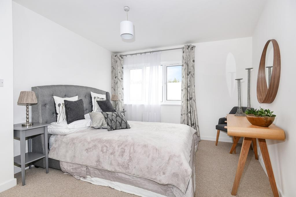 2 Bedrooms Flat for sale in Paxton Place London SE27