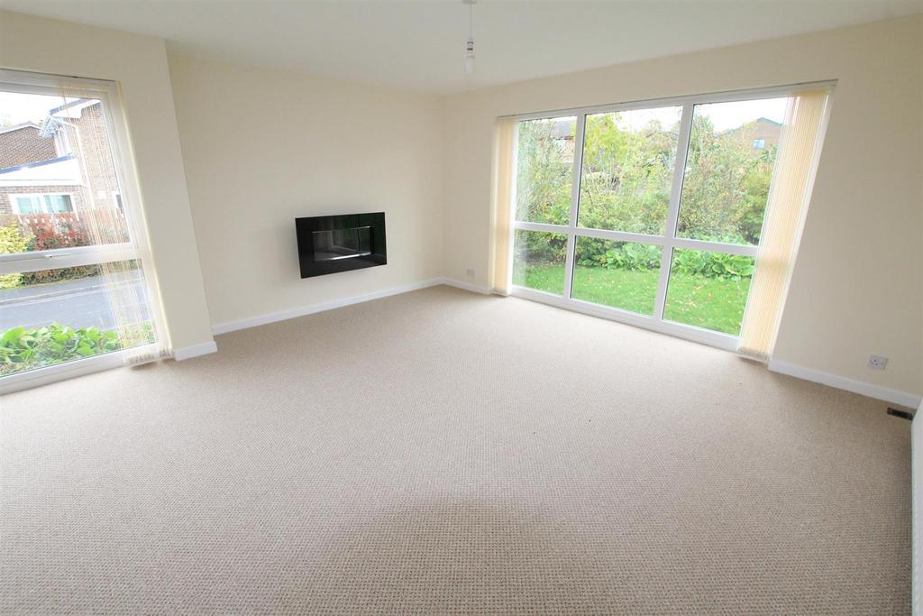 3 Bedrooms Detached Bungalow for sale in High Barn Road, School Aycliffe, Newton Aycliffe