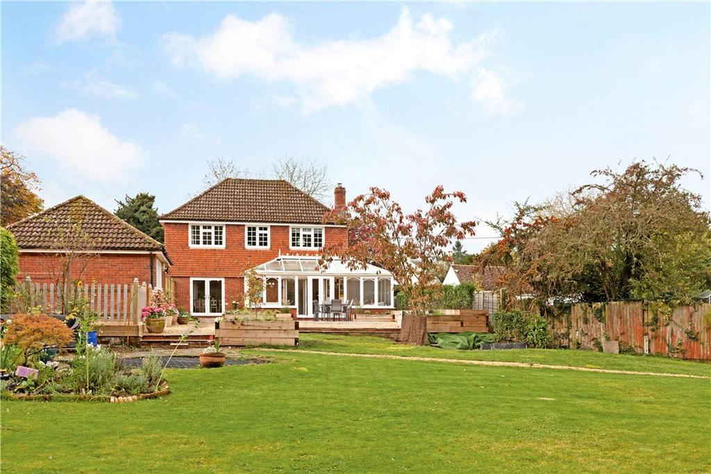 4 Bedrooms Detached House for sale in Monk Sherborne, Tadley, Hampshire, RG26