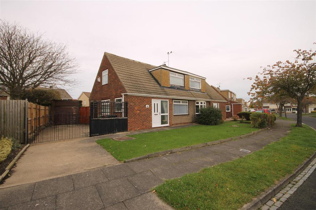 2 Bedrooms Semi Detached Bungalow for sale in Goathland Drive, Seaton Carew, Hartlepool